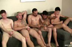 Een verscheidenheid aan gays masturberen saampjes