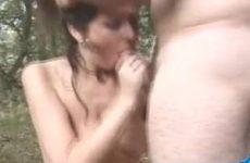 Anja Peter en Theo in een geile trio in het bos